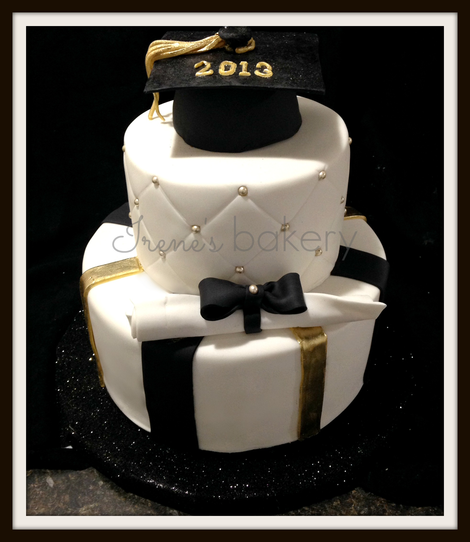S And W >> Graduation Cakes - irenes bakery